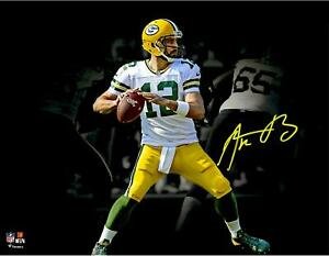 Aaron Rodgers GB Packers Signed 11x14 Passing Photo - Fanatics