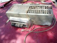 1955 55 56 54 53 57 1957 50 51 OLDSMOBILE  AM DELUXE RADIO UN-TESTED GM# 983204