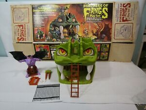 1983 Vintage FORTRESS OF FANGS Playset ADVANCED DUNGEONS & DRAGONS with box