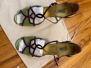 Women Prada shoes Classic