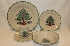 Gibson Home Dinnerware Christmas Tree Design 5 Piece Place Set Excellent Cndtn