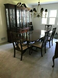 Thomasville Mahogany Dining Furniture / 8 Chairs / Ethan Allen Sideboard
