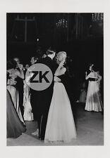 LE BAISER VALSE Mode DANSE Fashion Vogue DOISNEAU Photo 1950