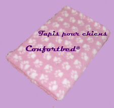 Tapis Confortbed Vetbed Dry anti-dérapant rose pattes blanches 100x150 cm 26 mm