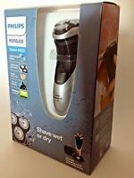NEW Philips Norelco 4400 Men's Electric Shaver/Razor -  Wet and Dry - AT815/KH2