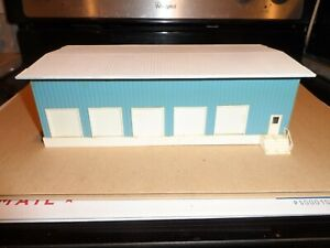 HO SCALE  TRUCKING TERMINAL