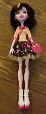 Monster High Art Class Draculaura Doll With Fashion Shoes