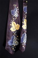 "VINTAGE 1940'S-1950'S PURPLE RAYON SATIN YELLOW LEAF PRINT TIE 4 1/2"" W -  52"" L"