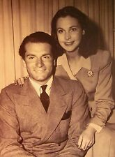 VIVIAN LEIGH & SIR LAURENCE OLIVIER clipping B&W wedding romance 1940s