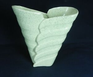 Vintage Bauer Pottery Speckled Green Stock Vase #502, MINT....Cal-Art