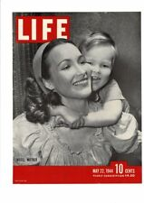 VINTAGE 1944 LIFE MAGAZINE COVER MODEL MOTHER WITH CHILD SWEET LOVING PRINT AD