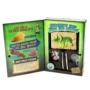 Triceratops Dinosaur Dig Kit - Excavate 3 Real Dino Fossils & build! BRAND NEW