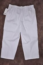Ladies Southern Lady NWT Pull-on Cropped Pants - Size 10 - Originally $36.00