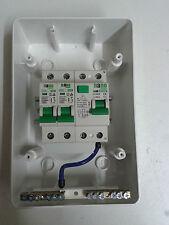 2 manera Garage, Casa, Caravana de los Consumidores Unidad Caja 40 a 30 Ma RCD + 2 Mcb de la caja de fusibles.