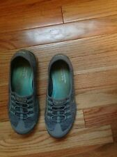 sketcher shoes size 7 Slip On Womens