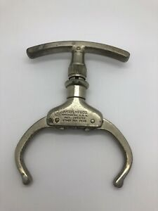 The Iron Claw Handcuff - Come Along - Argus MFG Chicago Serial #40561