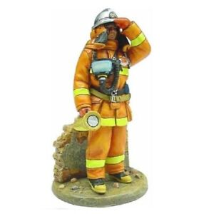 BOM035 Japan 2003 tin Lead Firefighter Fireman Figure DelPrado 1:32