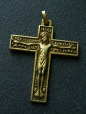 MEDAILLE RELIGIEUSE ANCIENNE/ CRUCIFIX. LAITON/BRASS