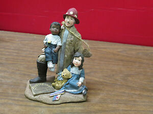 SARAH'S ATTIC ~ REMEMBRANCE ~ APRIL 19 1995 OKLAHOMA CITY FIREMAN WITH TWO KIDS