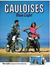 PUBLICITE ADVERTISING 1984 GAULOISES BLUE LIGHT  briquet tout terrain cigarettes