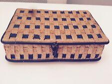Jolie Boîte Ancienne En Osier 20 x 13 x 6 cm