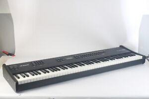 Alesis QS8 64 Voice Master Controller Synthesizer Electronic Keyboard / Piano