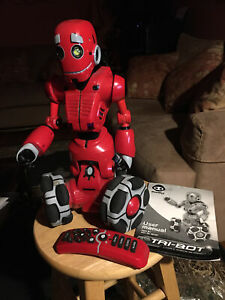 2007 WowWee Tri-Bot Talking Robot with Remote Control and User Manual Pre-Owned