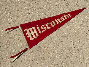 """Vintage University of Wisconsin Badgers 1910's 27.5"""" Felt Pennant Sewn Letters"""