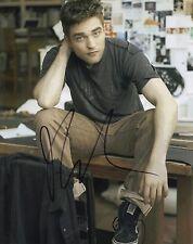 Robert Pattinson Signed 10X8 Photo Genuine Autograph AFTAL COA (5583)