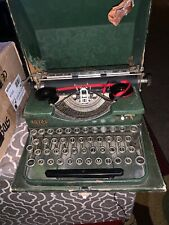 Green Royal Portable Typewriter 1930s Simulated Wood Grain Green As Is