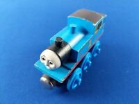 First Edition Thomas Wooden Train : THOMAS (1992-1993) Flat Magnets Staples