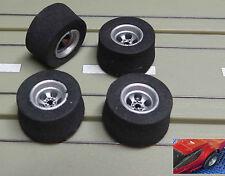 Pour slotcars maquettes -- 4 jantes avec pneus neufs pour AFX Dragster véhicules