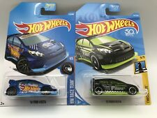 Hot Wheels '12 Ford Fiesta Checkmate Series Pawn & Blue '12 Fiesta Die Cast Set