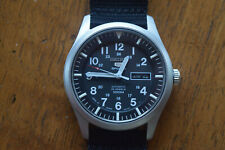 Seiko 5 SNZG15 Wristwatch for Men (Made in Japan Model) Excellent!