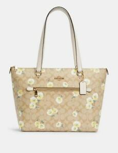 NWT COACH Gallery Tote In Signature Canvas With Daisy Print