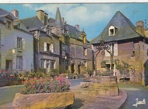 Rochefort-en-Terre, Bretagne, le place du puits ngl G4647