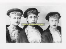 mm101 - Princess Victoria Melita & sisters Beatrice & Alexandra  - photo 6x4