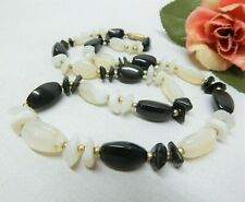 """VINTAGE GOLD TONE AND BLACK & WHITE AGATE STONE BEADED NECKLACE 24"""""""