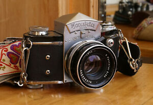 Exakta VX IHAGEE DRESDEN camera w/ Jena Pancolar 50mm F2.0 Lens Working