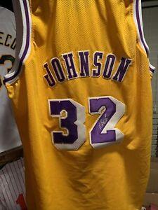 LA Lakers signed Magic Johnson #32 yellow replica stiched jersey steiner COA