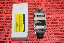 Square D PL100WS2M1 Limit Switch Type L New