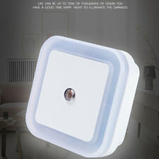 0.5W US Plug-in Auto Sensor Control LED Night Light Lamp for Bedroom Hallway
