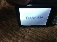 FUJIFILM 16 MEGA PIXELS- DIGITAL CAMERA FinePix AX650- turns on