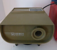 Vintage GAF 30 Standard Projector View Master with Case 12- volts AC DC Charity