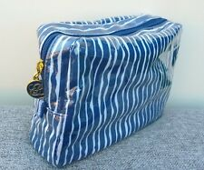 1x ESTEE LAUDER Blue & White Waterproof Makeup Cosmetic Bag, Brand NEW!