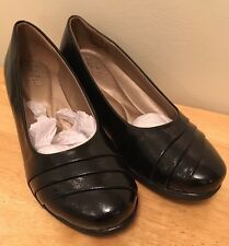 Soft Style by Hush Puppies Women's Easy To Pleats  Black Sz 7 Wide Large Career