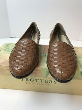 TROTTERS STYLE LIZ COLOR TAUPE CALF SIZE 6W WOMENS CASUAL FLAT WEAVE NIB