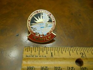 """NASA """"FAMILY"""" PIN FROM ATLANTIS SHUTTLE MISSION STS74   (NEW WITHOUT TAGS)"""