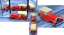 Lancia Dilambda Rio 1/43, couleur capote un peu vieillie sinon excellent état,