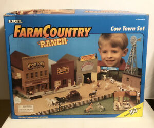 1995 Vintage ERTL Farm Country Ranch Cow Town Set 1:64 Scale / NEW Open Box
